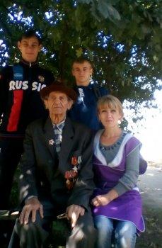 Волонтеры в помощь пожилым